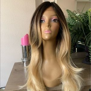BLONDE DARK ROOTS OMBRÉ LAYERED LACE WIG